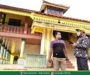 Cabup Rizal Zamzami Berkunjung Ke Danau Raja Dan Replika Istana Kerajaan Indragiri Detaksatu Com